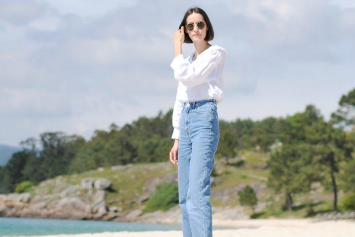 Camisa blanca y jeans